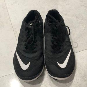 Nike FS LITE RUN (Size 9)